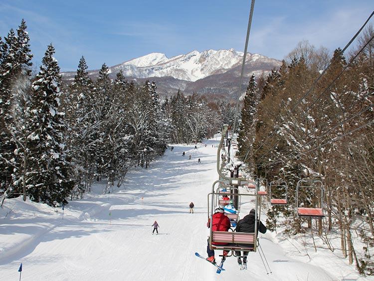 誰もが楽しめるロングコースが魅力! 妙高杉ノ原スキー場