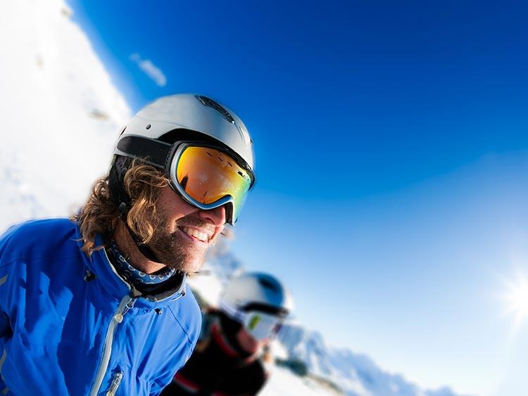 海外ではもはや常識! スキー用ヘルメットの必要性